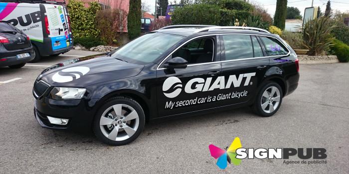 publicité véhicule Giant par Signpub